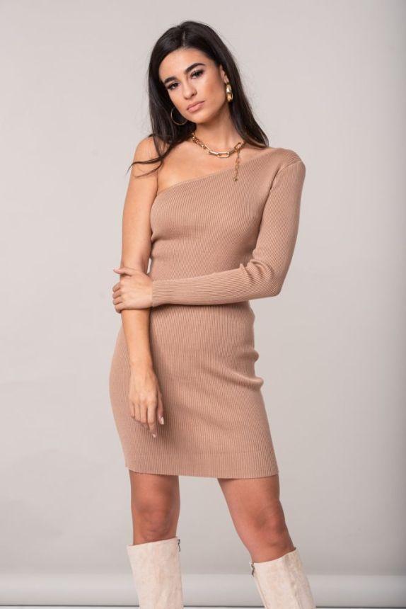 Φόρεμα Πλεκτό Με Έναν Ώμο